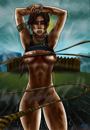 Lara Croft in trouble
